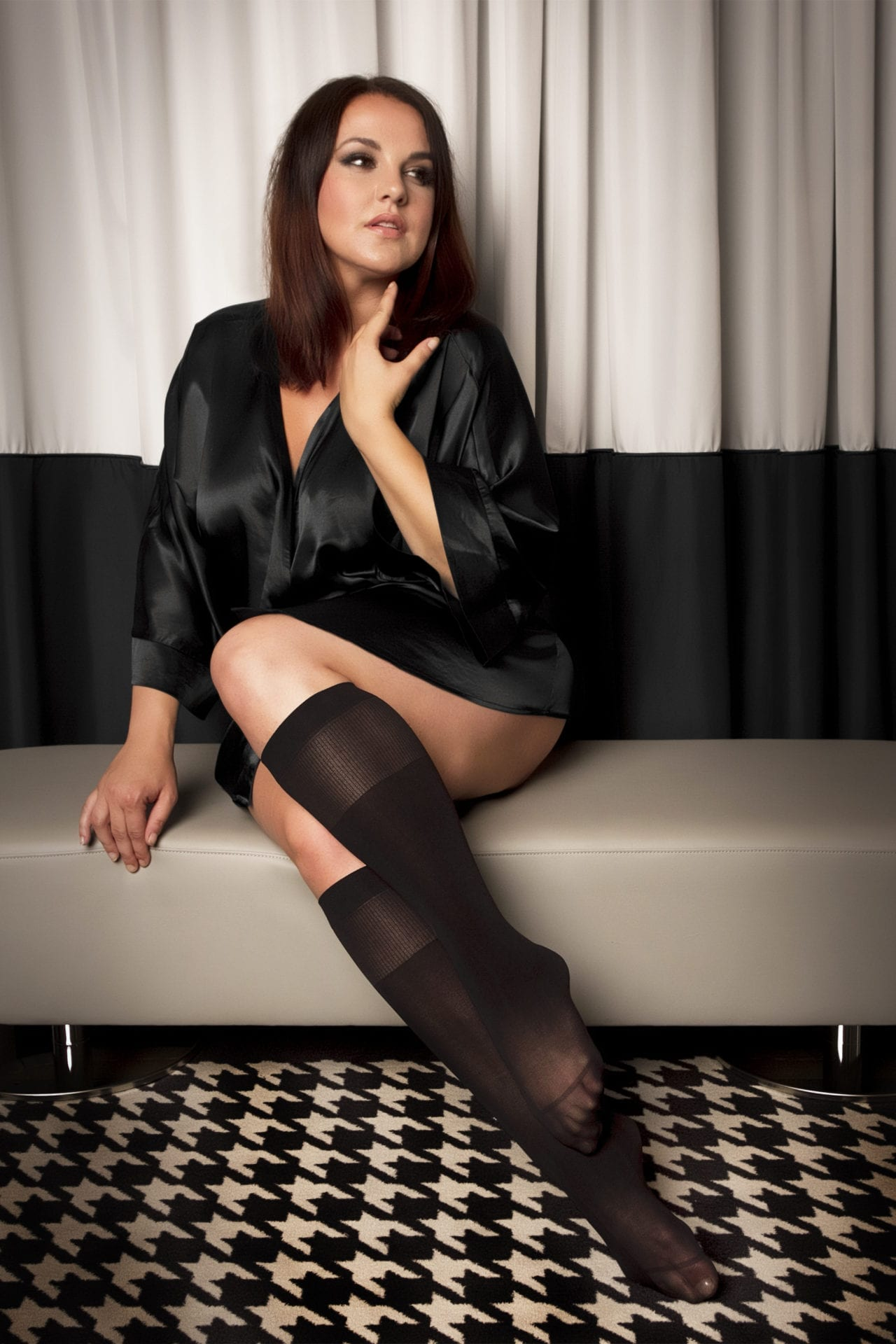 Music Legs - Plus size backseam pantyhose 820Q-BLACK